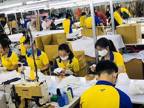 2 PRODUCING ANTIBACTERIAL CLOTH MASKS FOR EXPORT TO JAPAN