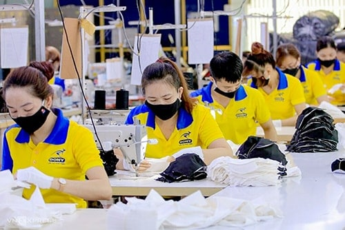 3 PRODUCING ANTIBACTERIAL CLOTH MASKS FOR EXPORT TO JORDAN
