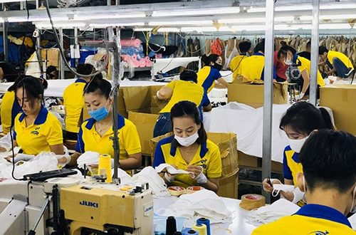 4 PRODUCING ANTIBACTERIAL CLOTH MASKS FOR EXPORT TO GERMANY