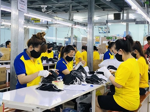 5 Dony is increasing the production capacity of antibacterial cloth masks which are used for export to foreign markets