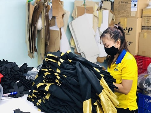 5 Producing cheerleading uniforms for customers in the USA