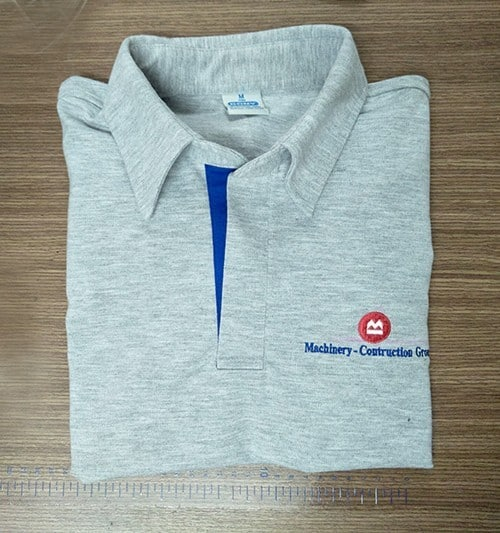 63 T shirt with round neck