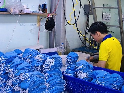 7 PRODUCING ANTIBACTERIAL CLOTH MASKS FOR EXPORT TO EXCLUSIVE DISTRIBUTOR IN SAUDI ARABIA EGYLAVA COMPANY
