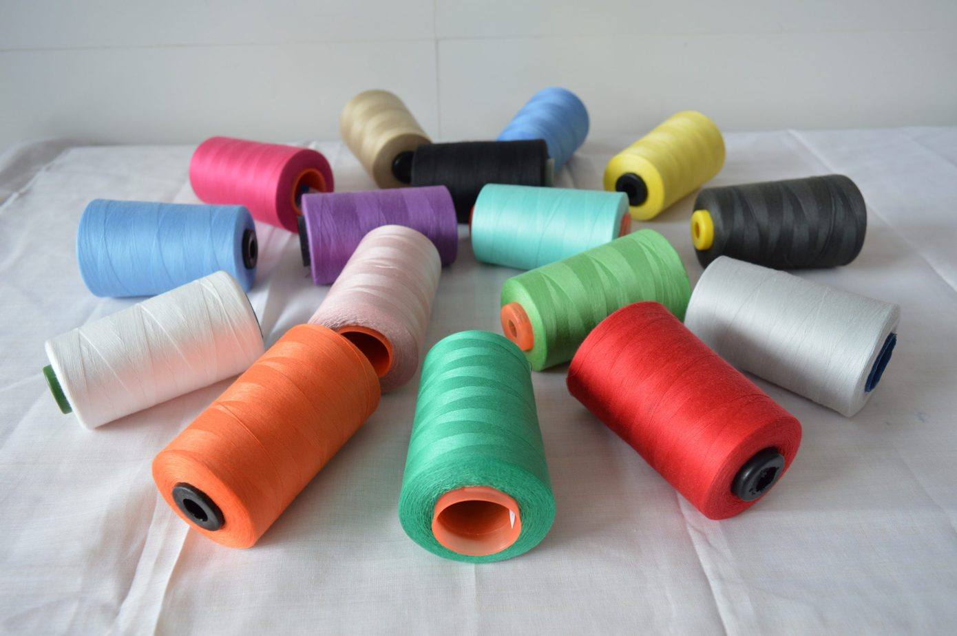 Vinh Hung's sewing thread type 50/2