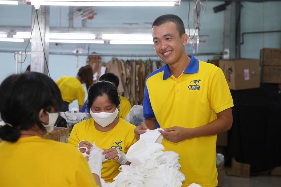 """CEO Dony Garment, Pham Quang Anh said Dony Mask was """"the medication"""" that the company needed to survive during the pandemic. Photo: Hoang Trieu"""