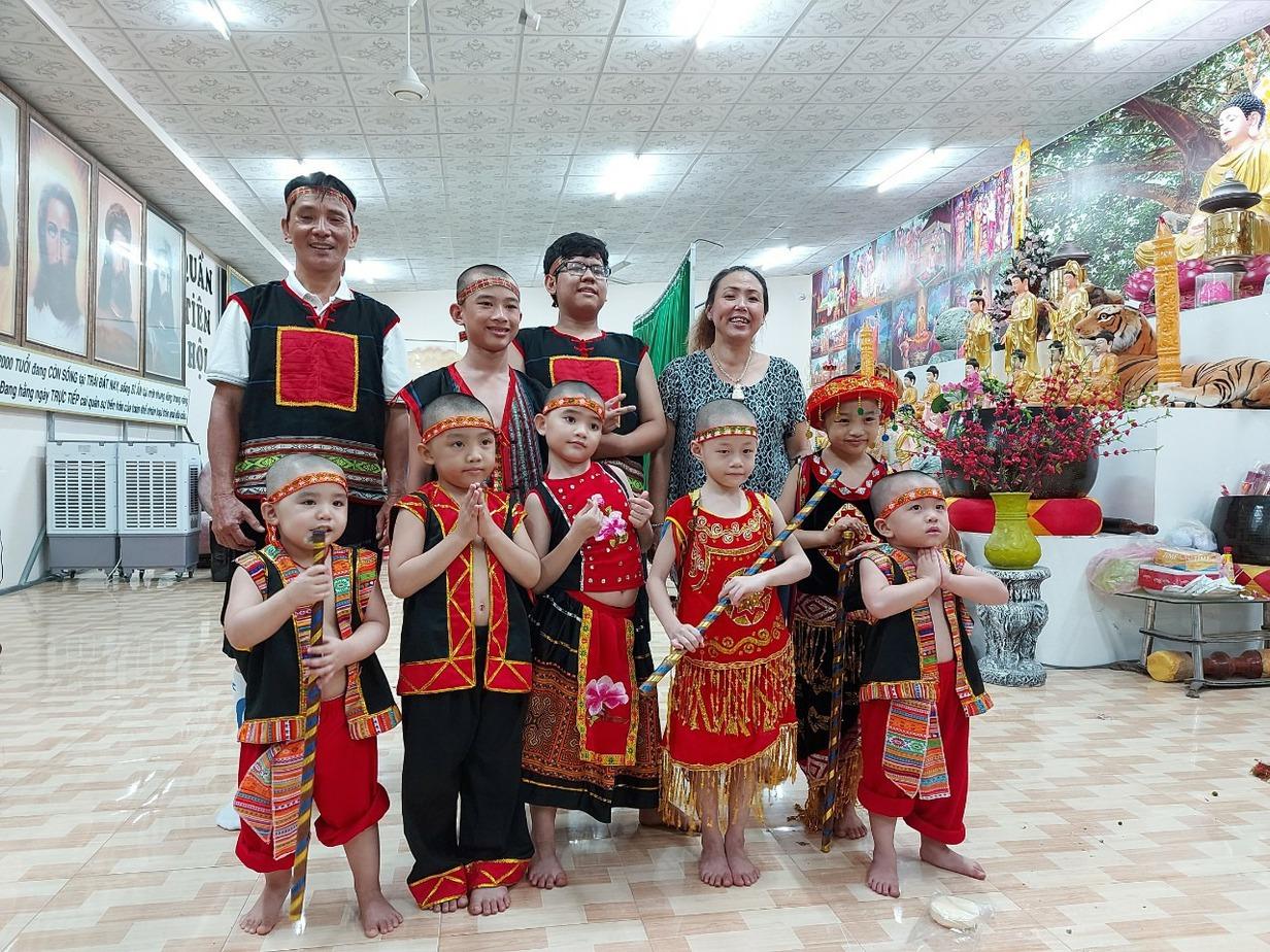 Hoa Mai Ethnic Garment Rental Service