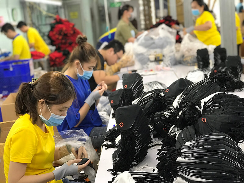Masks are continuously exported internationally at Dony